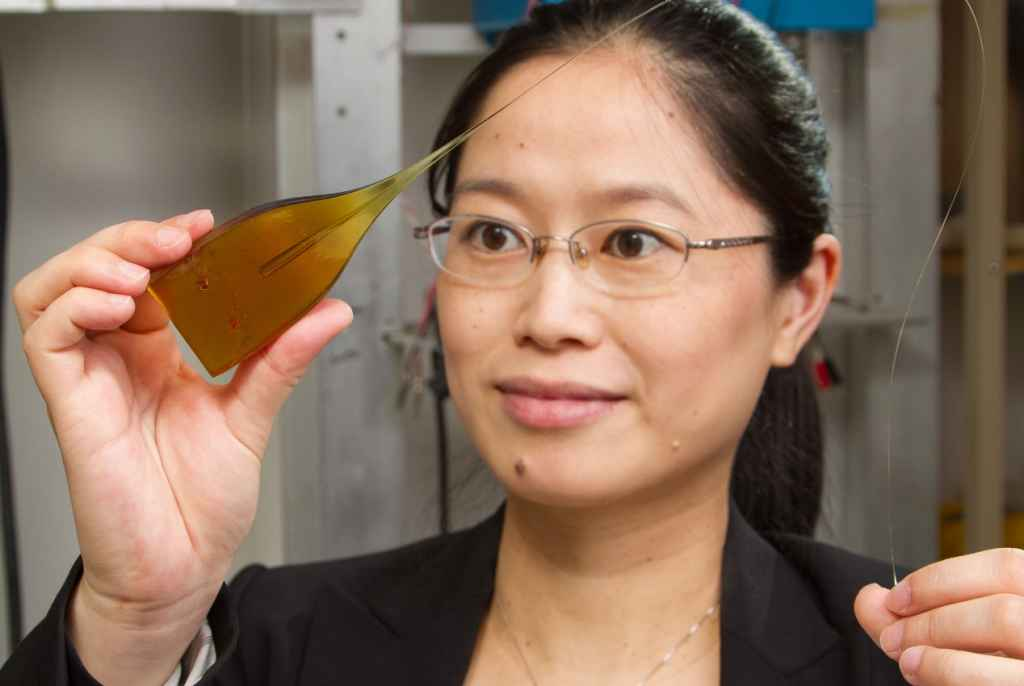 Affiliated Faculty Xiaoting Jia and her team found a new way to reduce the size and increase the conductivity of deep brain implants
